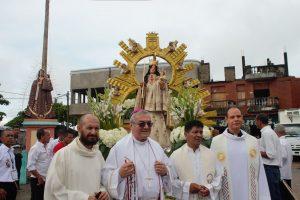 Rosario con la imagen de Nuestra Señora de la Candelaria
